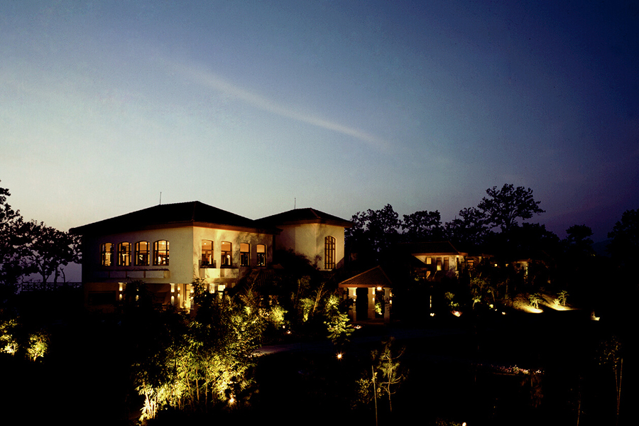 Ananda in the Himalayas Exterior View